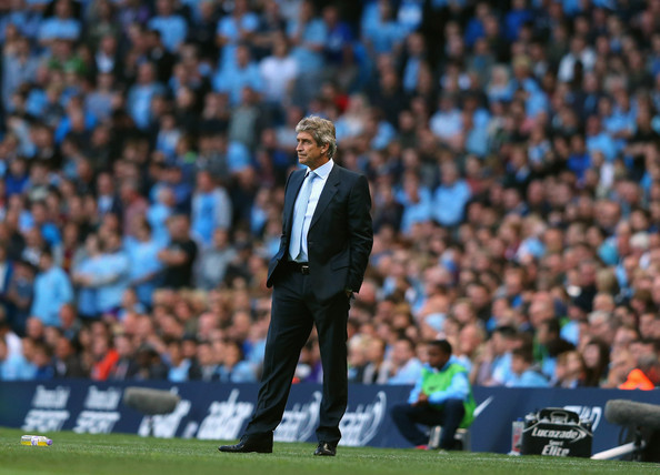 Standing alone - No way Jose - all City fans are right behind Pellegrini #TrustOurMP