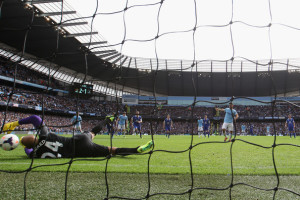 No stopping - Aguero's penalty makes it over the line & 3-1 City!