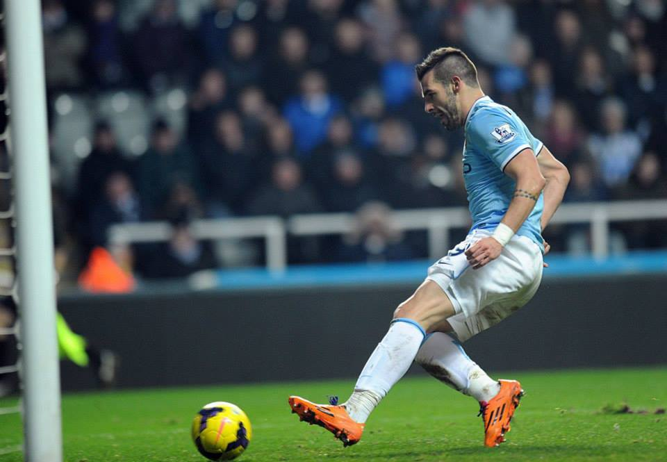 Tap in - Negredo makes it 2-0 in the dying seconds  Courtesy @MCFC