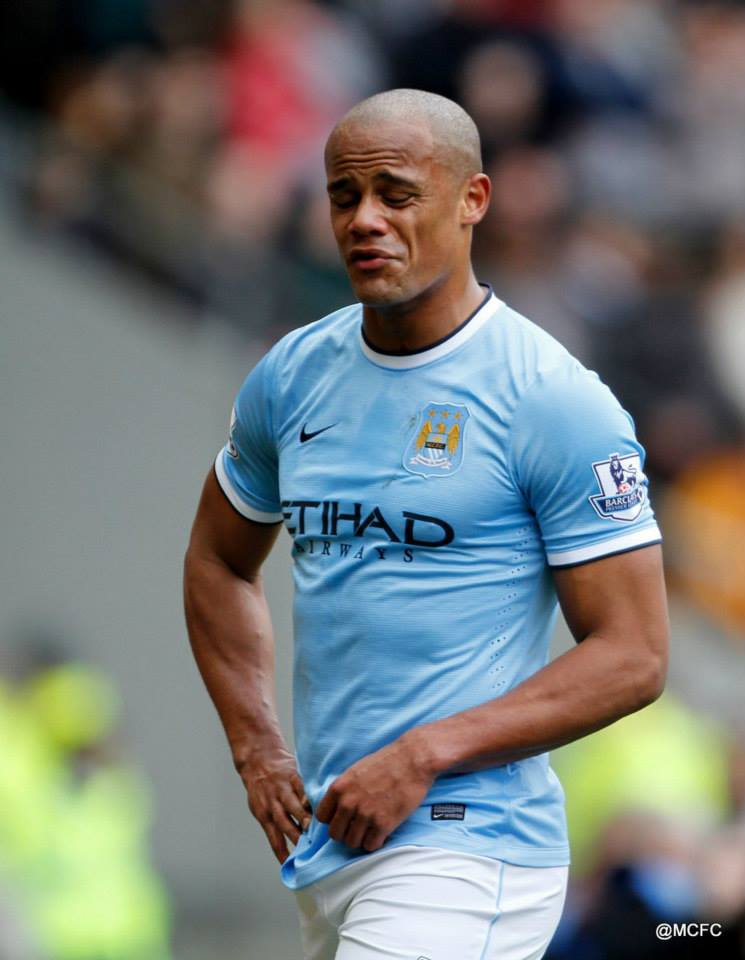 Bad Kompany - Calamity struck as Captain Fantastic was sent off by moronic Lee Mason. Courtesy @MCFC
