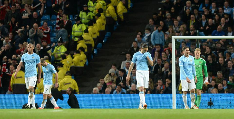 Despair - City go 2-1 down. Courtesy @MCFC