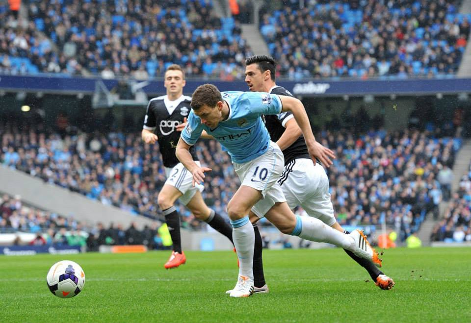 Going down - Dzeko goes to ground for City's penalty. Courtesy @MCFC