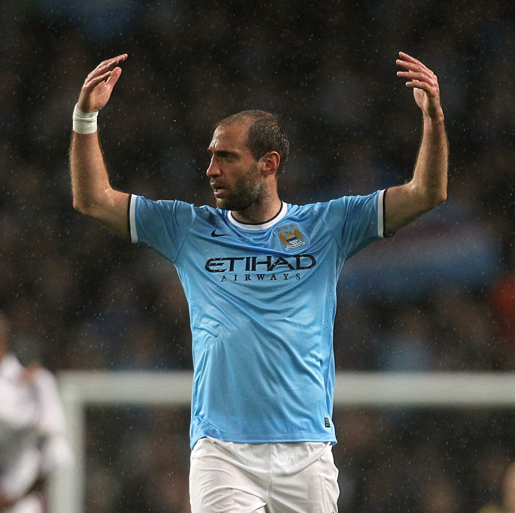 Hero & Legend - Has any City player ever evoked more 'love' among the fans than Zaba? Courtesy @MCFC