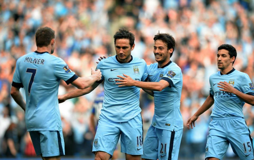 Thanks Frank - City players congratulate Lampard on his goal. Courtesy@MCFC