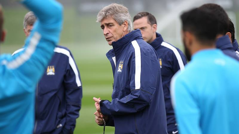 Good to see you - Pellegrini welcomed back his players after international duty. Courtesy@MCFC