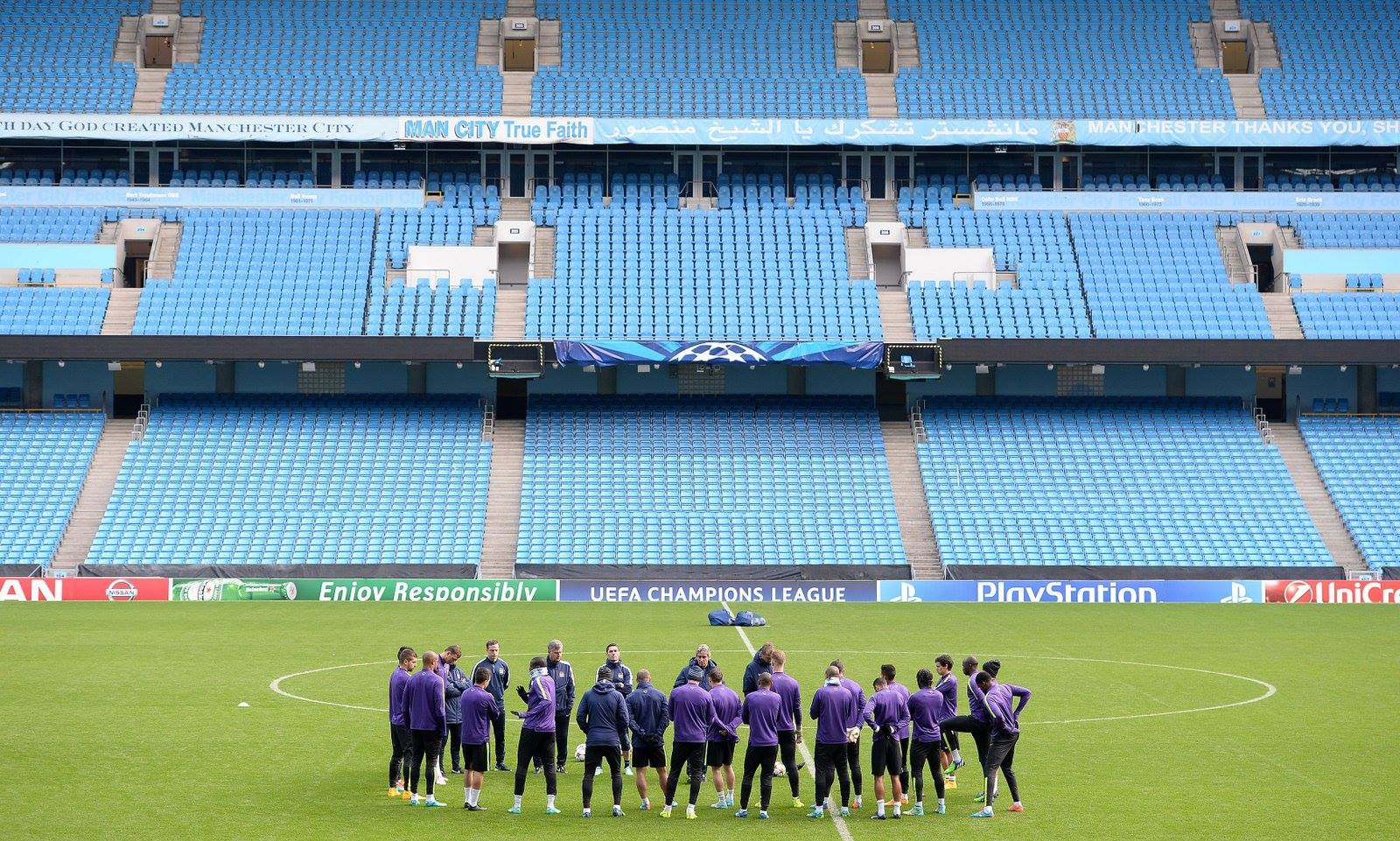 Empty seats? - The Etihad will be bursting to the seams tonight. Courtesy@MCFC