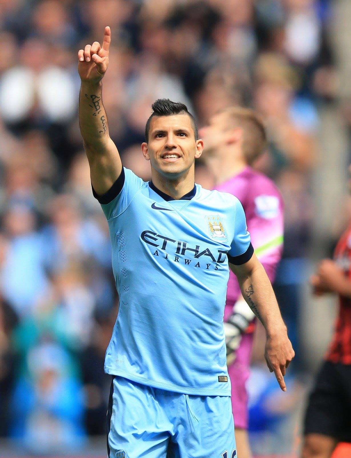 Golden Boy with the Golden Boot - Sergio has the Midas Touch with 8 goals in his last 5 games. Courtesy@MCFC