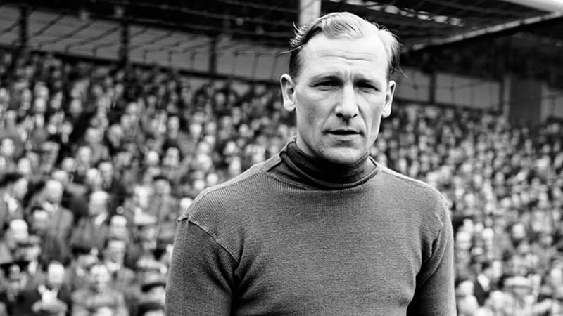 Legend - Bert Trautmann then man who helped City win the FA Cup in 1956 with a broken neck - just incredible. Courtesy@MCFC