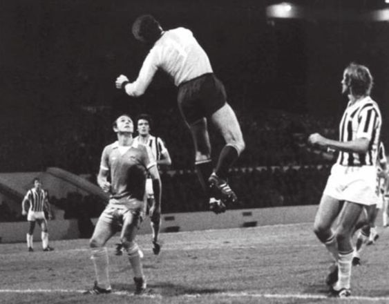 Italian Job - Brian Kidd's first half header past Juventus' legendary keeper Dino Zoff wasn't enough to get City past the Old Lady in 1976.