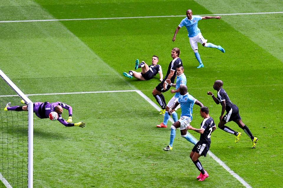 Dino seals the points - a rejuvenated Fernandinho iced the 2-0 win over Watford.