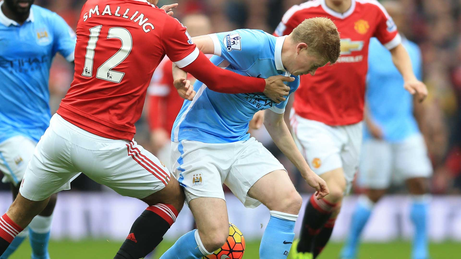 Outnumbered - KdB was closely marked by a possee of United defenders.