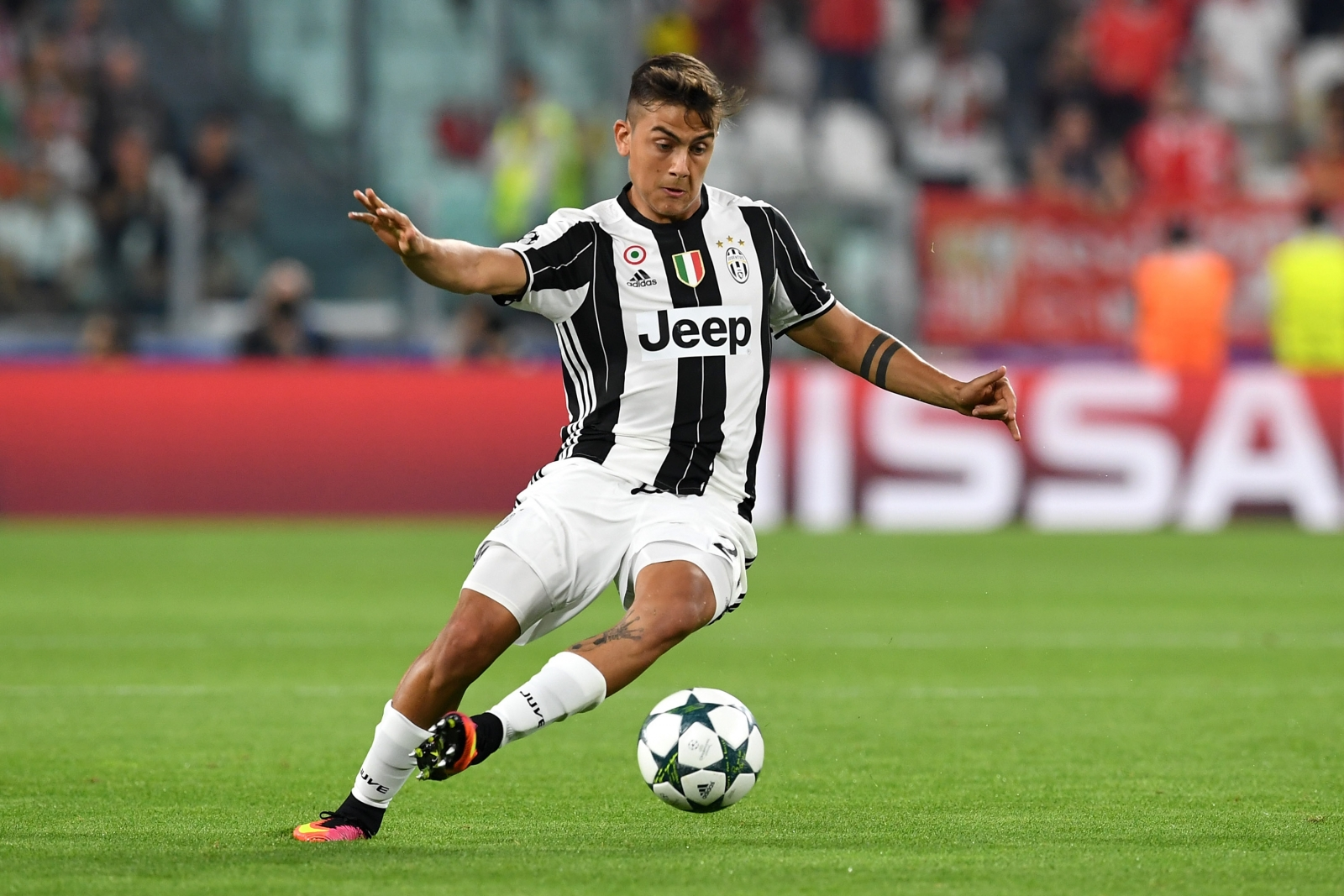 Could Paulo Dybala of Juventus be a 'bargain' £38.3m transfer target for City this summer?